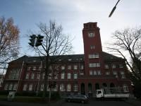Rathaus_lang